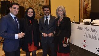 Juan de la Rosa, presidente del PP de Sevilla; Virginia Pérez, presidenta provincial del PP; Beltrán Pérez, portavoz municipal, y Patricia del Pozo, diputada autonómica.