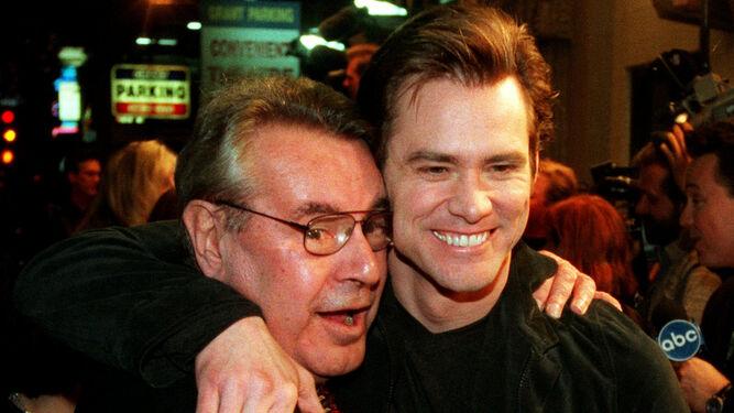 Con Jim Carrey, con el que rodó 'Man on the Moon', uno de sus últimos filmes.