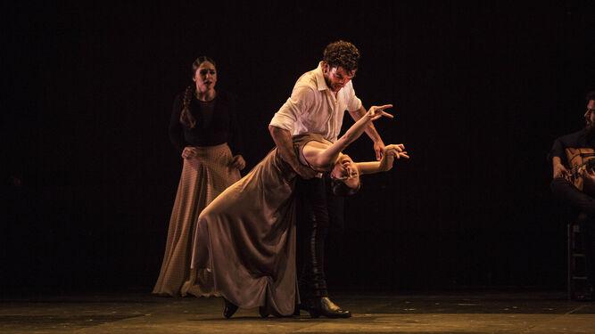 El artista con la bailaora invitada, Ana Morales, en un momento de 'El encuentro'.