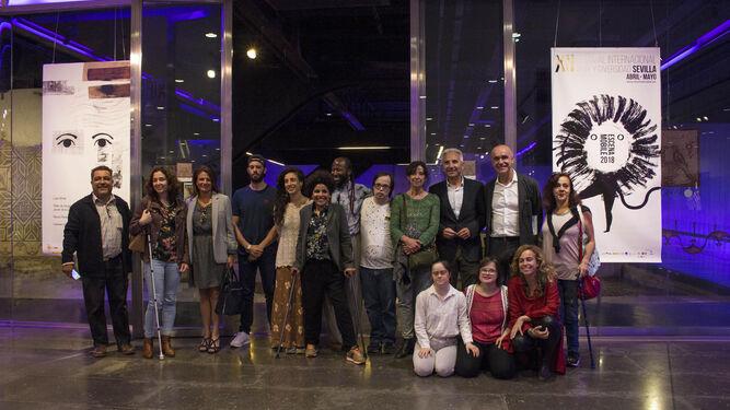 Artistas, responsables del Festival Escena Mobile y representantes políticos, ayer en el Antiquarium, donde se presentó la programación.