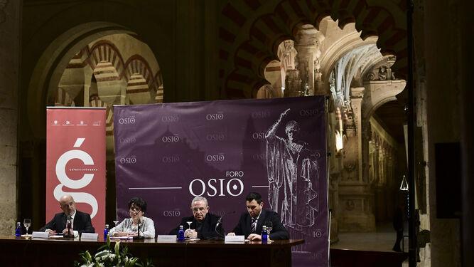 Inauguración de la exposición con la conferencia de Amelia de Paz.