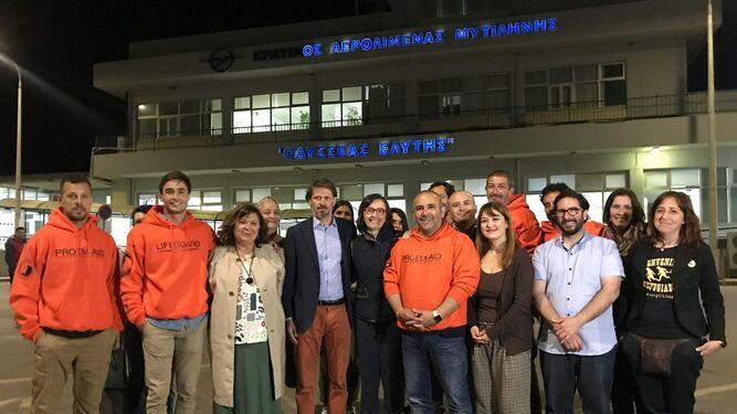 La comitiva de instituciones ya está con los bomberos en Lesbos.