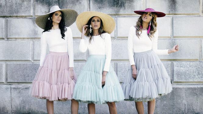 4b04f7422f Las faldas de tul de Patricia Bazarot se pueden combinar con un top blanco  ajustado.