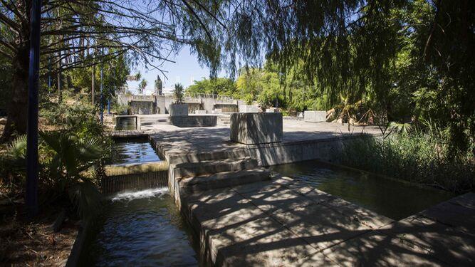Zonas verdes de sevilla el jard n americano reabre tras for Jardin americano sevilla