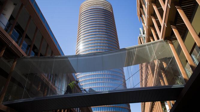 Cómo Llegar Al Centro Comercial Torre Sevilla En Su Inauguración Y