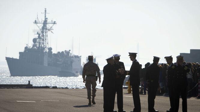 La fragata Navarra regresa a la base naval de Rota (Cádiz) tras participar en una misión internacional