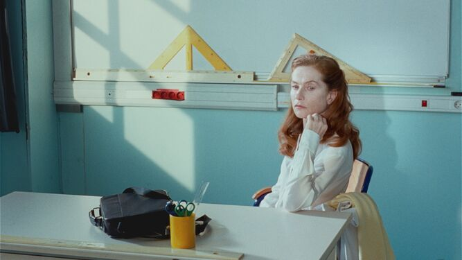 Isabelle Huppert es Madame Géquil y Madame Hyde.