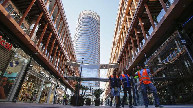 El Centro Comercial Torre Sevilla Espera Ocho Millones De Visitantes