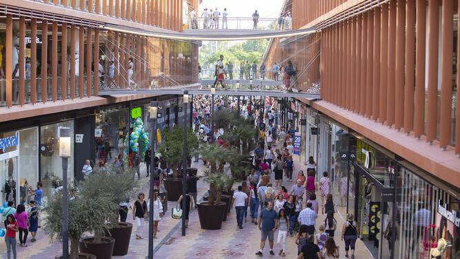 Hay sitio para tanto centro comercial - Galeria comercial ...