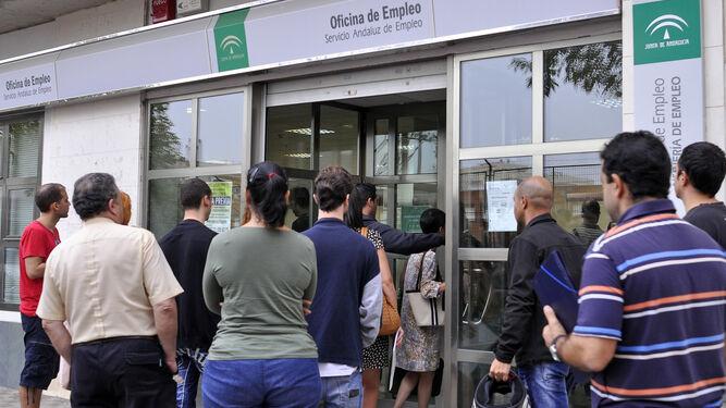 Epa del 3er trimestre andaluc a reduce el paro en personas y crea 300 empleos - Oficina de empleo andalucia ...