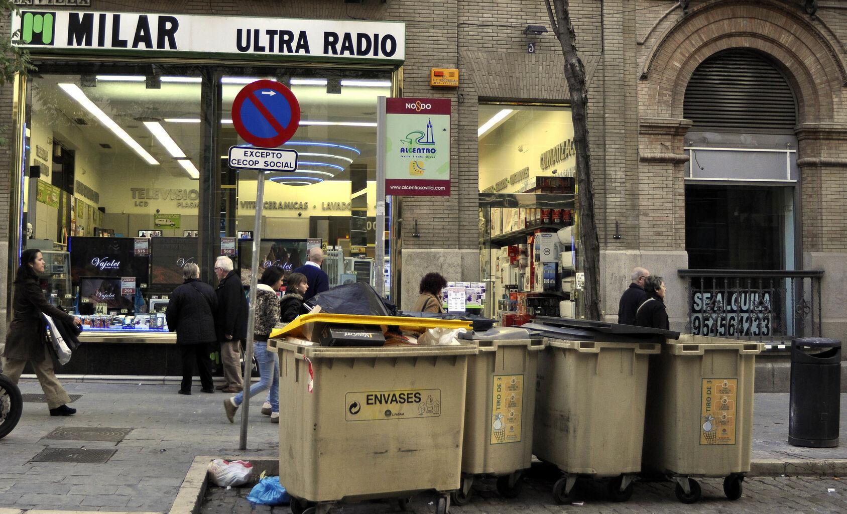 6ea9b6b1ba138 Lipasam ¿Adiós al olor que desprenden los contenedores de basura