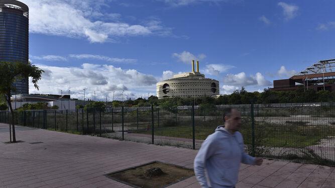 El solar de la Cartuja, frente al Edificio Expo, donde irá la sede de la Comisión Europea