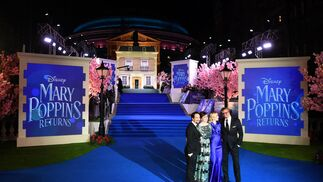 El reparto de 'El Regreso de Mary Poppins' en la premiere europea