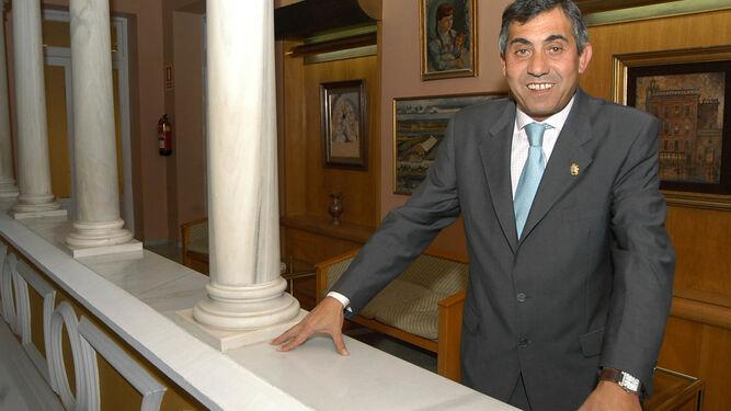 El ex alcalde de Cantillana 9ade4c4c170