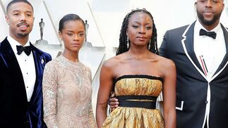 Letitia Wright, de Dior, y Danai Gurira, de Brock Collection