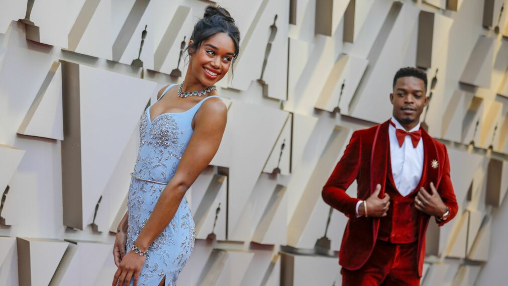 <p>Laura Harrier, de Louis Vuitton, y Stephan James</p>