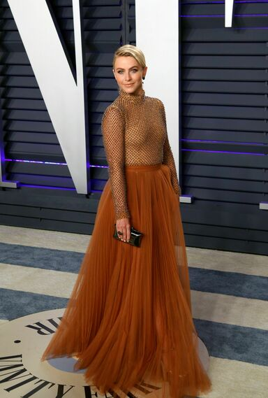 <p>Julianne Hough, de J Mendel</p>