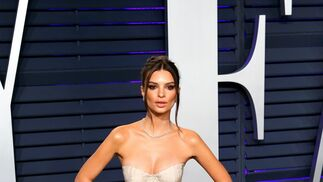 <p>Emily Ratajkowski, de Brock Collection</p>