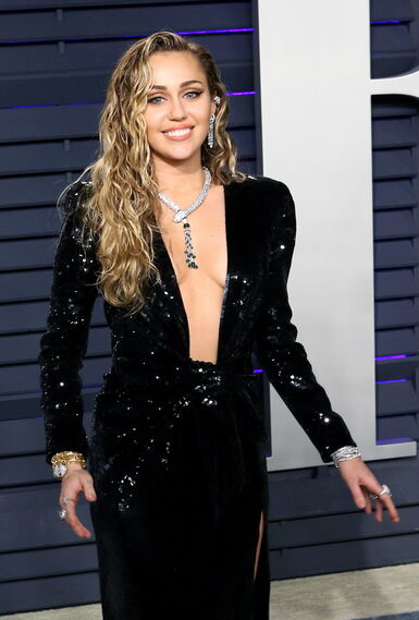 <p>Miley Cyrus, de Saint Laurent</p>