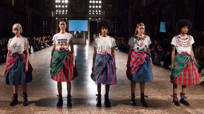uk availability d807e 29945 Pinko apuesta por la moda sostenible con Treedom y Stella Jean