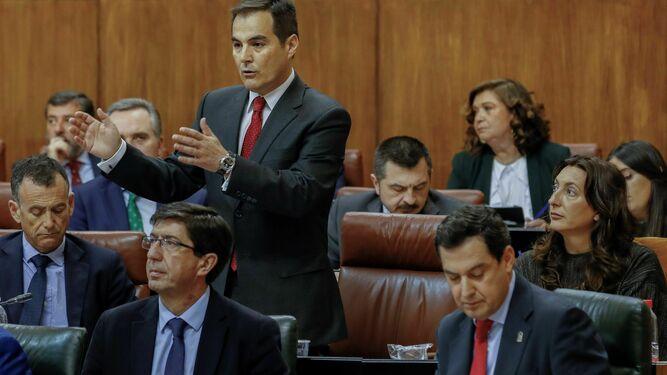 José Antonio Nieto interviene en el Pleno. Delante 4181604f6ab
