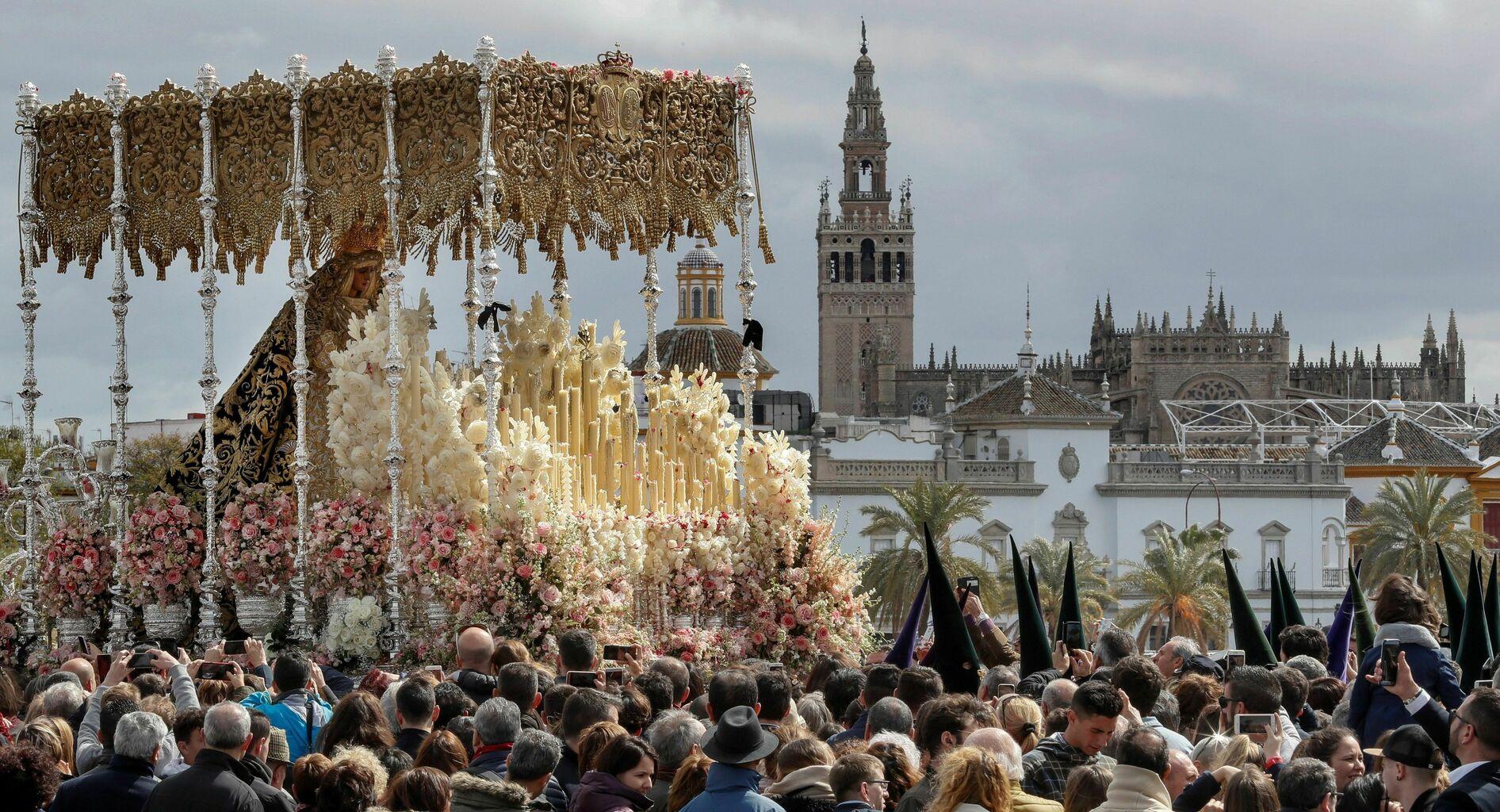 Sevilla Hay Santa De Lo 2019Todo Que Saber Semana P0kX8wnO