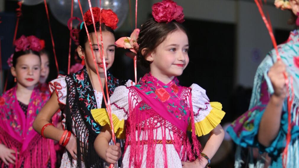 660b071a28 Trajes de flamenca para niña