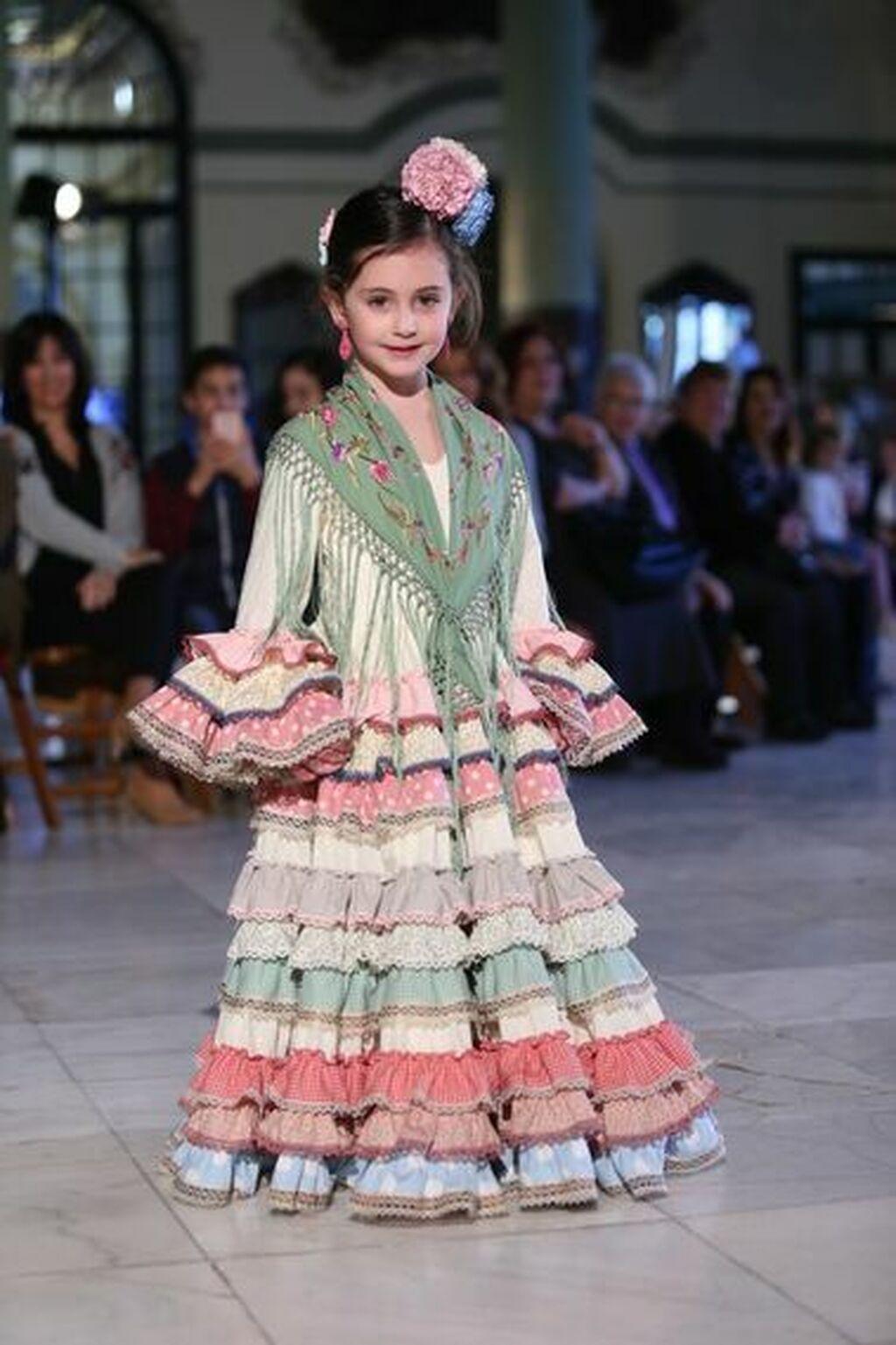 6cfc2eadbb Trajes de flamenca para niña