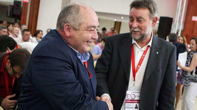Los ex secretarios generales de UGT-A Manuel Pastrana y Francisco Fernández Sevilla, investigados por el escándalo de las facturas falsas del sindicato.