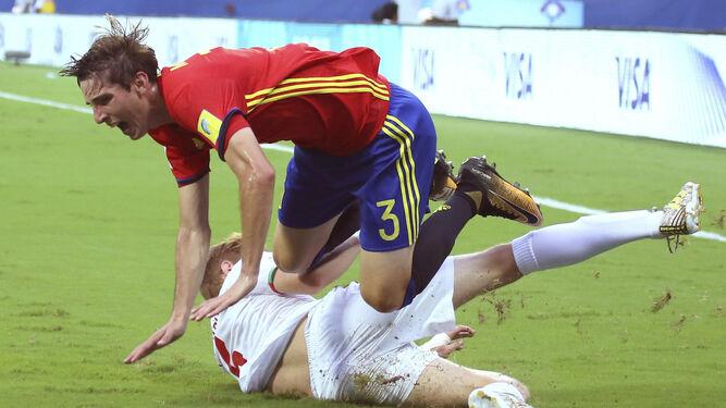 Juan Miranda en un partido de la seleccin sub 17