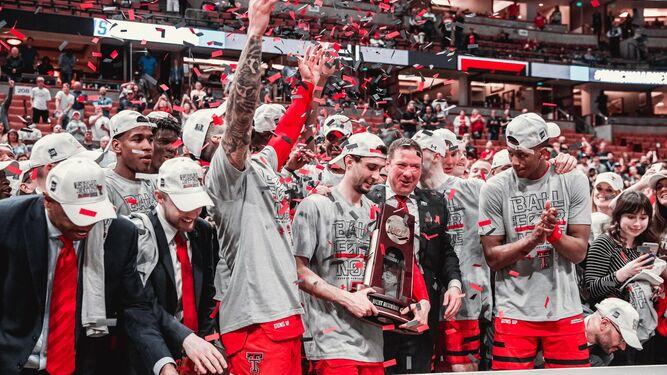 f7bf5189e44b Los jugadores de Texas Tech celebran el título logrado el sábado.