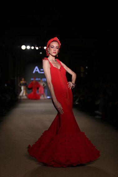510052356 Así es el traje de flamenca rojo de 2019, un clásico que se reinventa