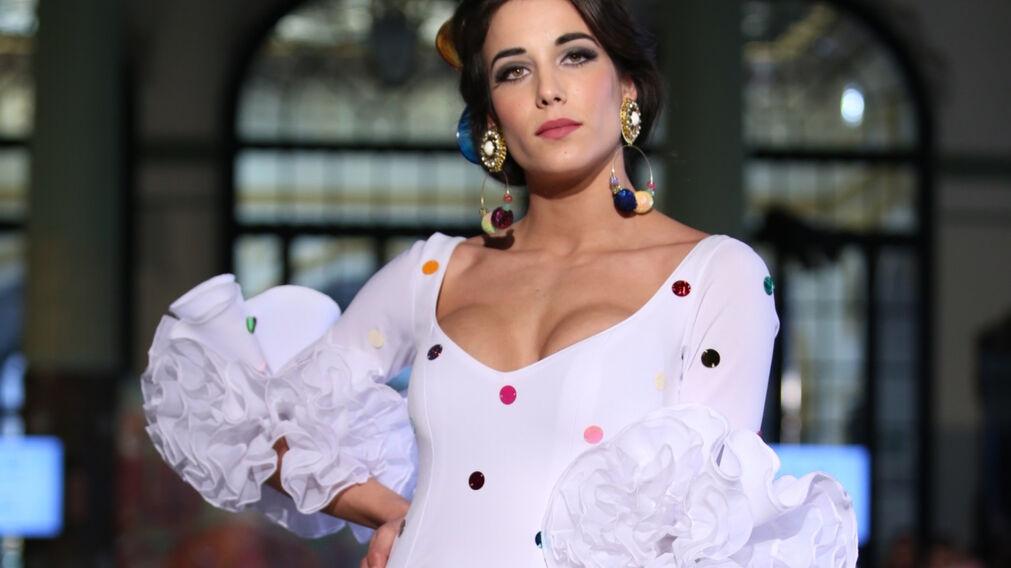 48920a792  p El traje de flamenca blanco y sus versiones más bonitas de esta temporada