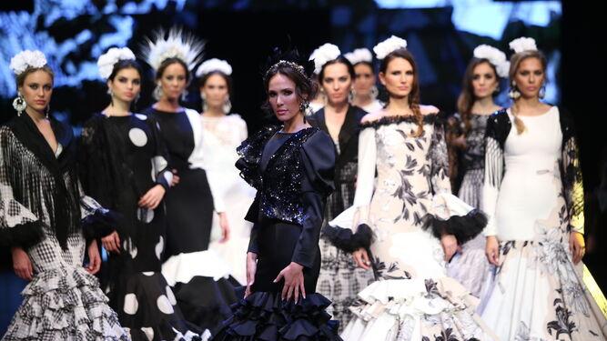 173ee702f Cómo vestir correctamente el traje de flamenca en la Feria de Abril ...