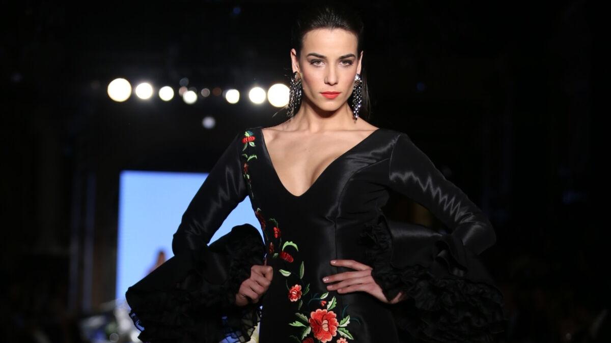 El Traje De Flamenca Negro De 2019 Sinónimo De Elegancia