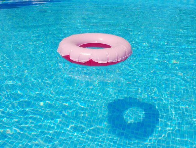 Piscinas hinchables y desmontables cu l comprar for Ofertas piscinas desmontables rectangulares
