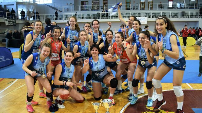 El conjunto juvenil del Dos Hermanas, campeón de Andalucía y tercero de España este verano.