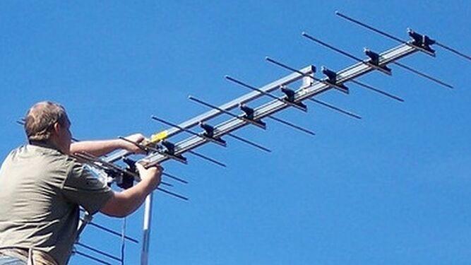 Un instalador de antenas