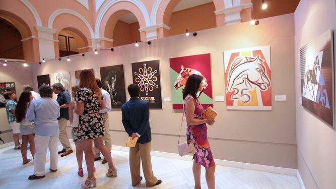 Exposición de los carteles de Sicab en el Ayuntamiento, en una edición pasada.