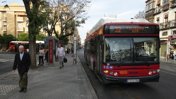 La subida del billete de autobús en Sevilla la situaría entre las más caras de España