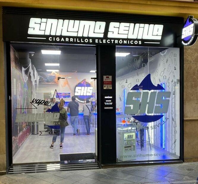 Una de las tiendas de SinHumo Sevilla .