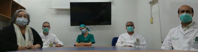 Hälso- och sjukvårdspersonal vid reumatologienheten på sjukhuset Virgen Macarena.