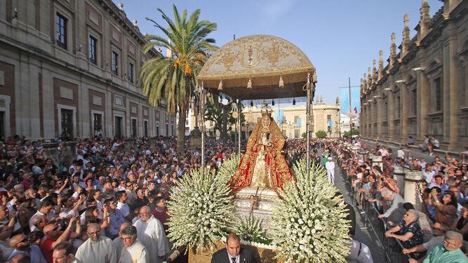 La Virgen de los Reyes en la procesión de cada 15 de agosto.