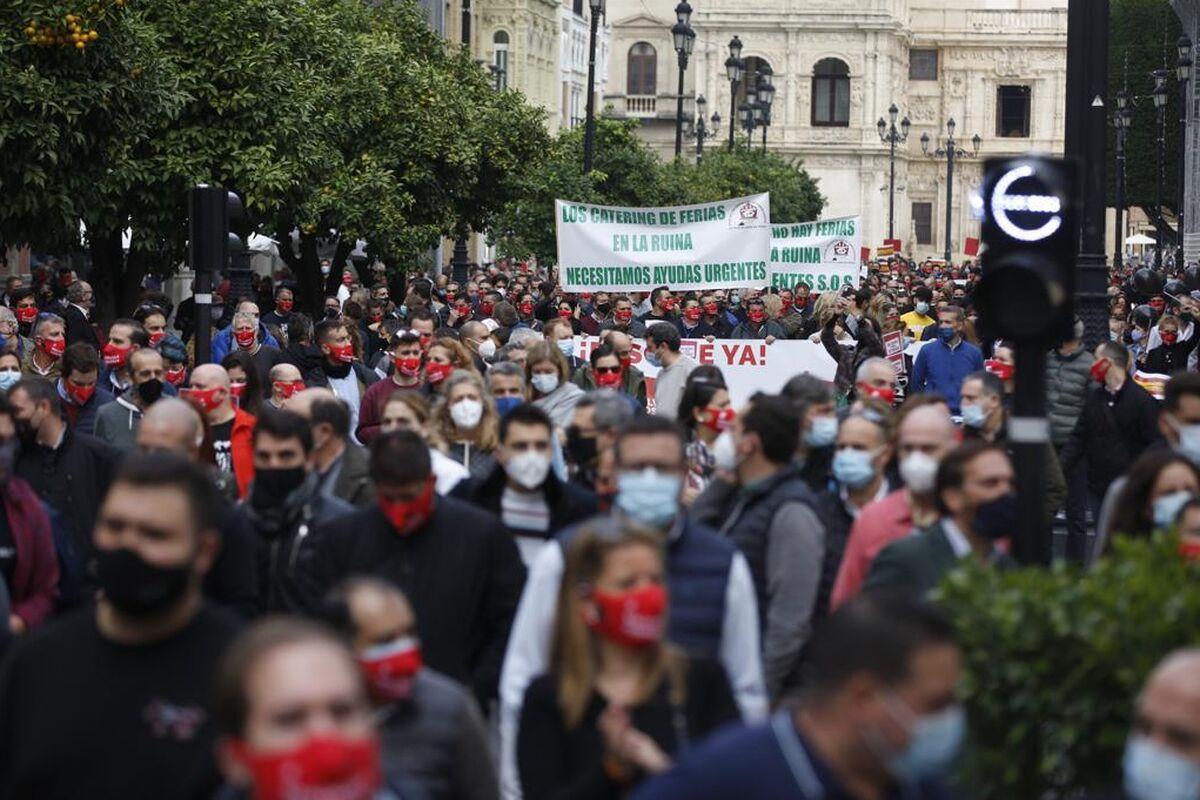 La manifestación por la Avenida de la Constitución.