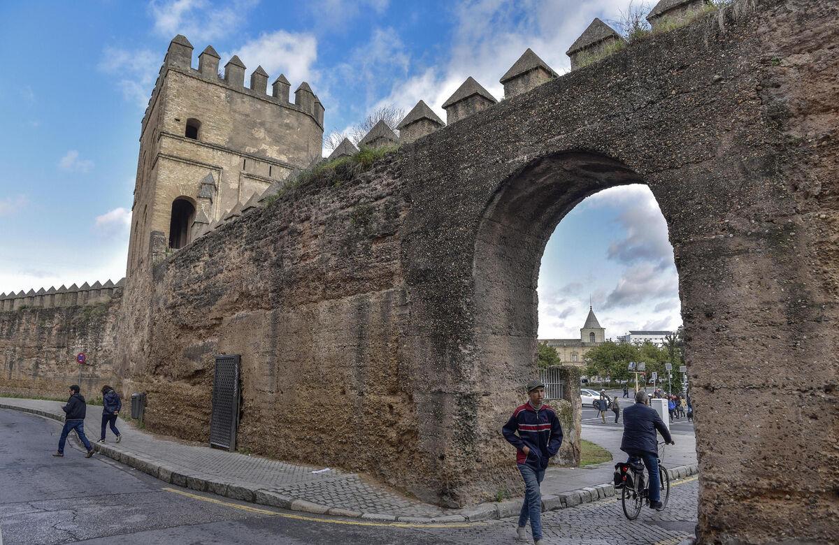 La muralla de la Macarena.