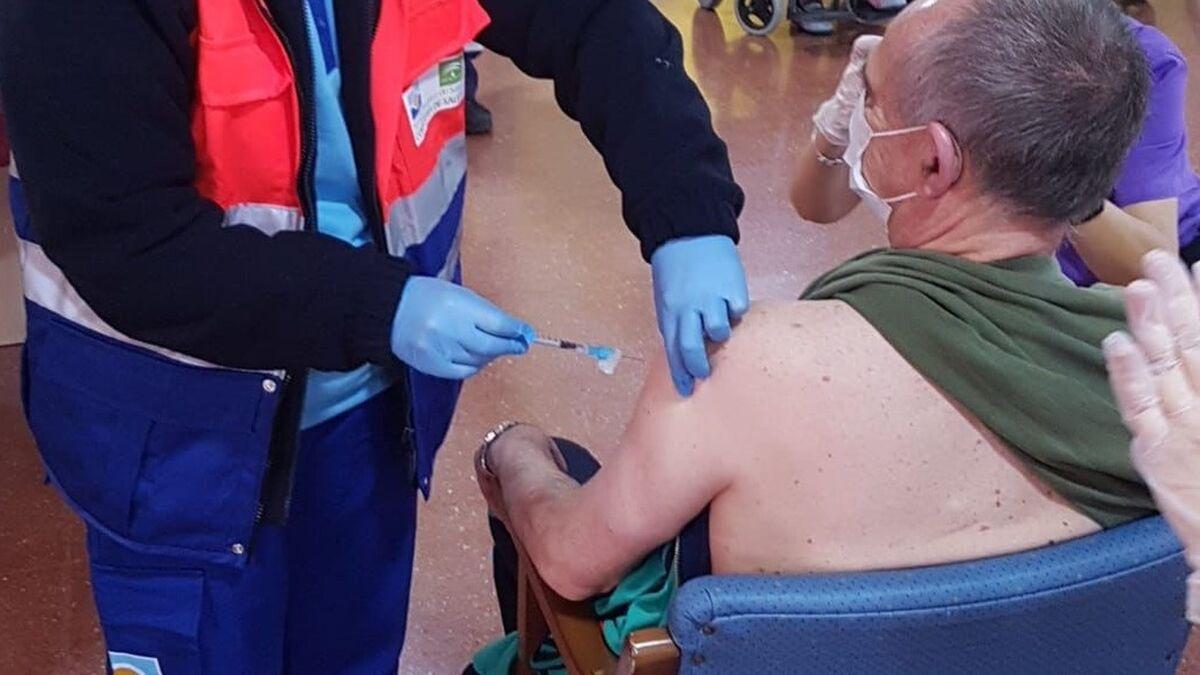 Coronavirus Sevilla: Salud sólo mantiene dos residencias de mayores medicalizadas en la provincia