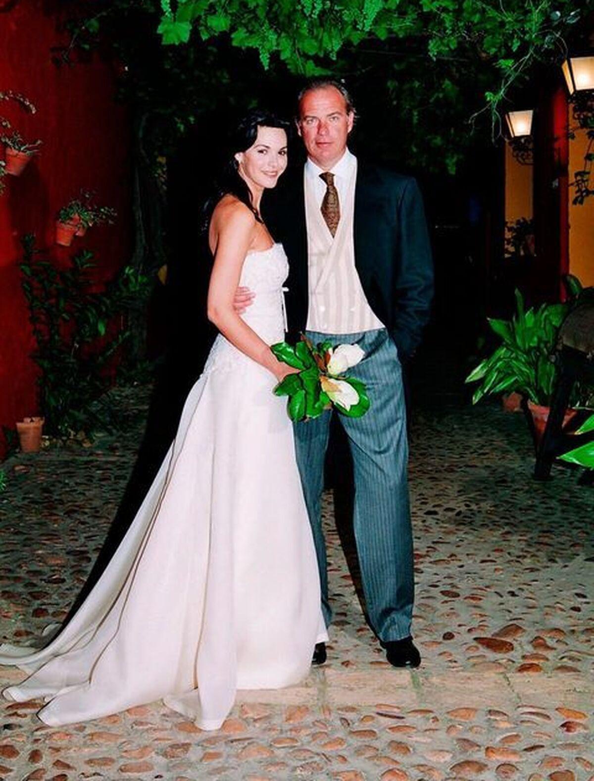 La pareja, en su boda en Sevilla.