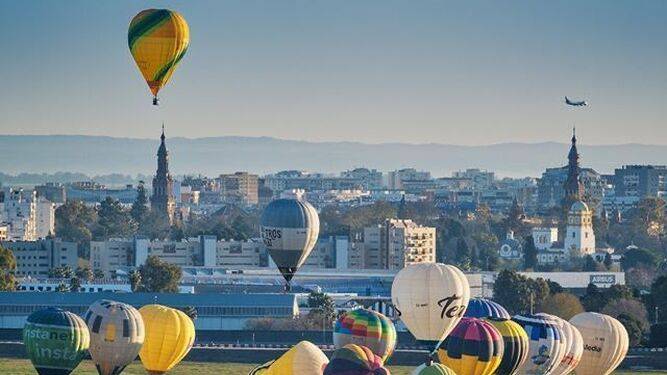 Sevilla vivirá una 'Feria de Abril' aérea