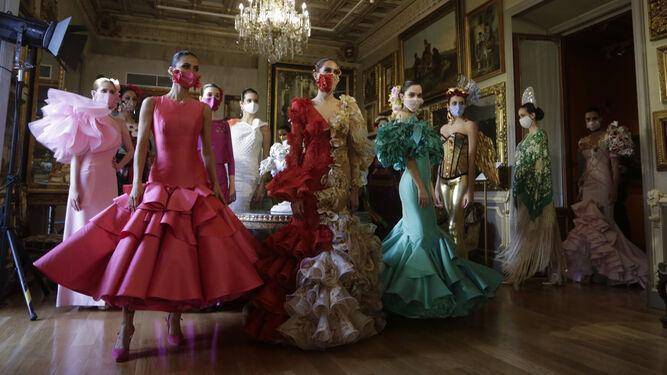 El desfile Úniqo Qlamenco devuelve la ilusión a la moda flamenca