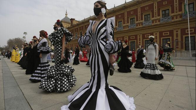 El sector de la moda flamenca se moviliza de nuevo para reivindicar ayudas ante una situación de agonía